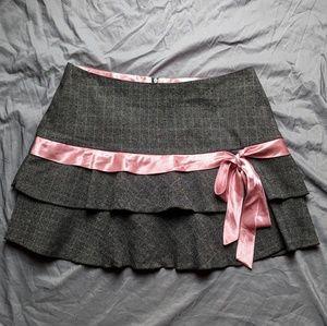 Gray Ruffled Mini Skirt w Pink Ribbon Bow EUC